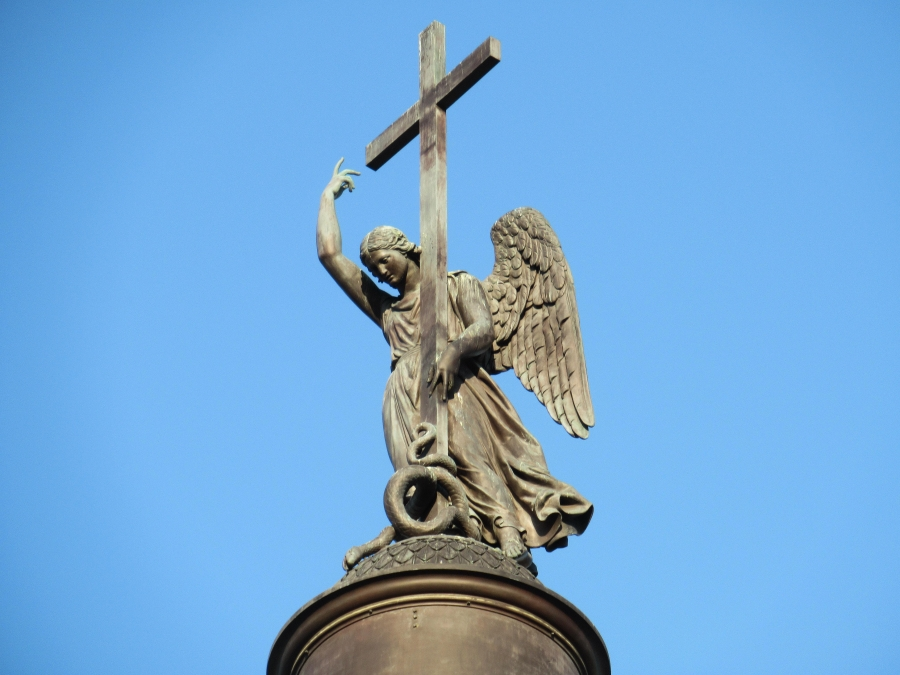 Angel at the top of Alexander Column.